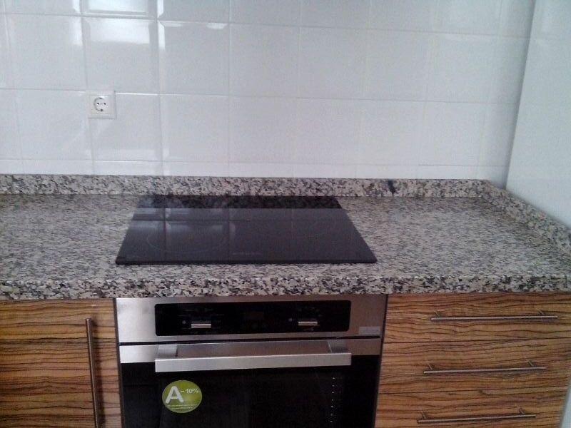 Encimeras de cocina m rmoles y granitos mart n for Encimeras de granito nacional colores