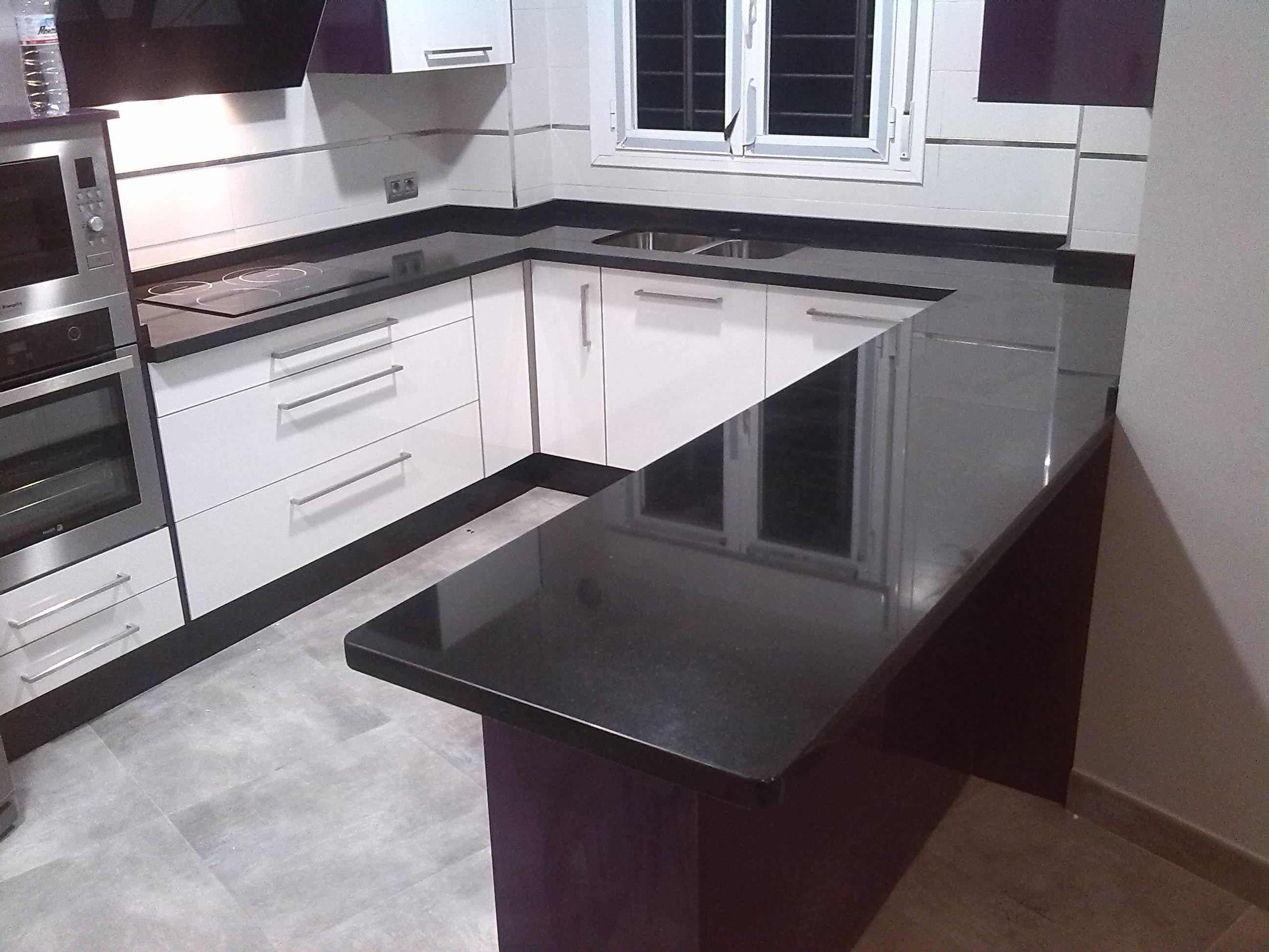 Marmol encimera cocina trendy cocina isla encimeras pared - Cocinas de marmol ...