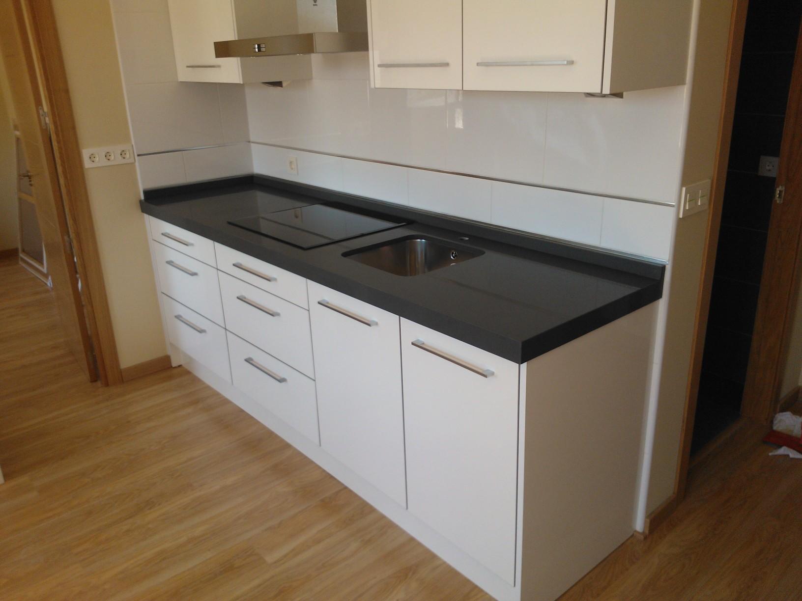 Encimeras de cocina de granito finest disfrute en casa de for Granito o silestone para cocinas