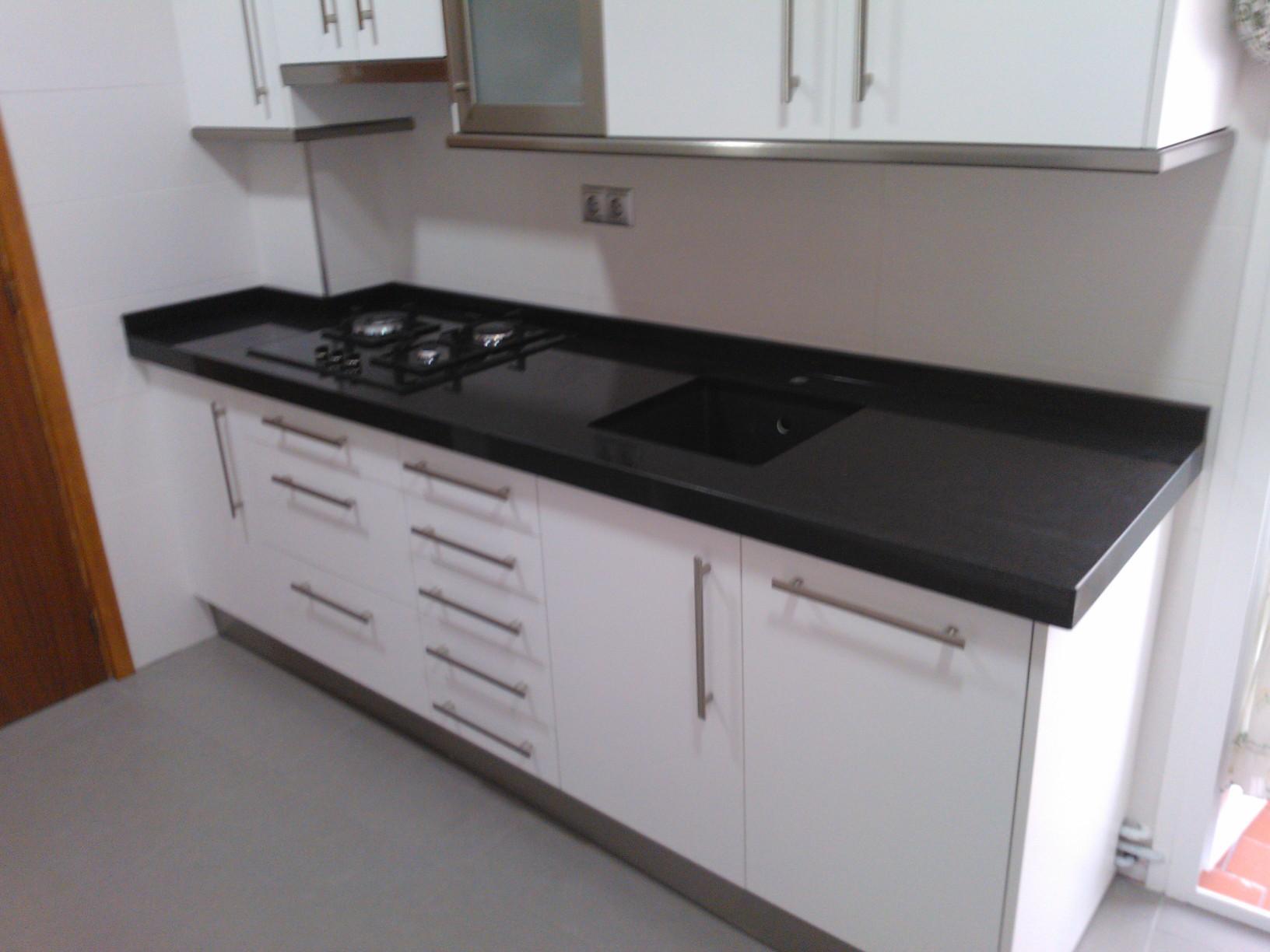 Encimeras de cocina m rmoles y granitos mart n for Encimera imitacion marmol