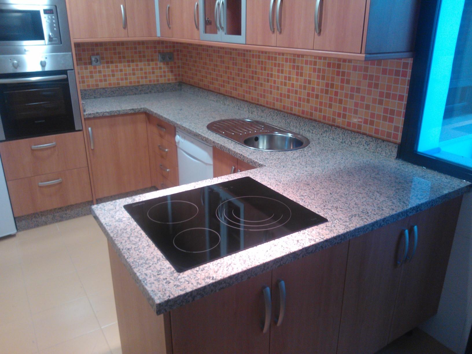 Encimeras de cocina de granito encimera de cocina en for Granito o silestone para cocinas