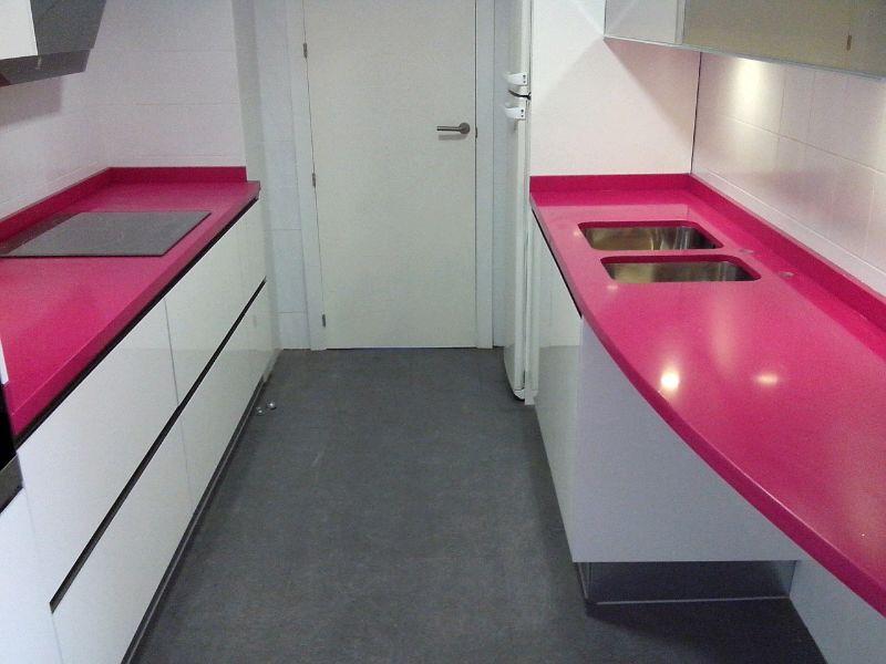 Encimeras de cocina m rmoles y granitos mart n - Cocinas rosa fucsia ...
