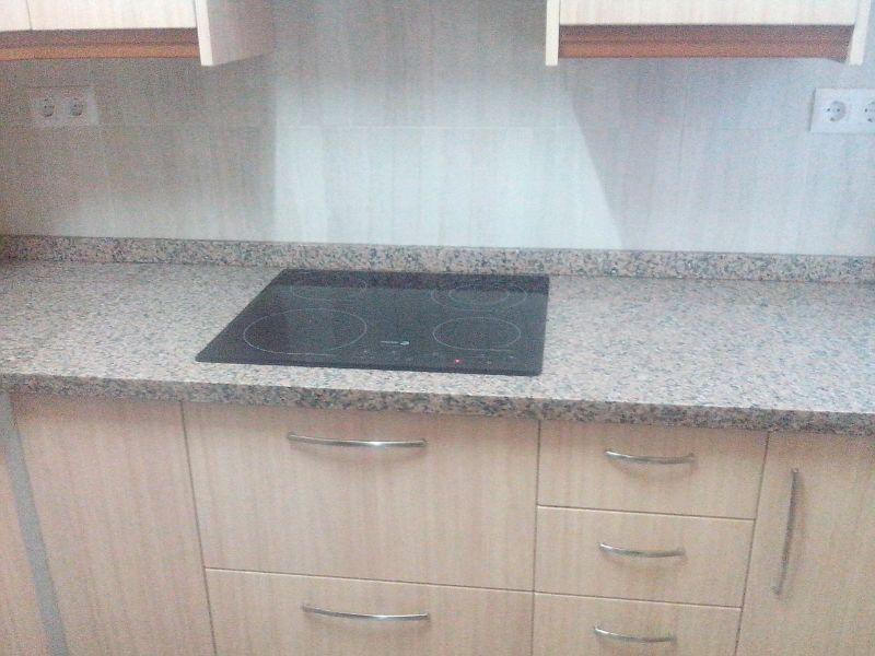 Encimera de granito trendy encimera granito nacional for Granito blanco chino